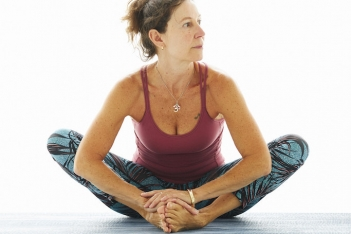 Yin Yoga Teacher Training met Hellen van der Harten