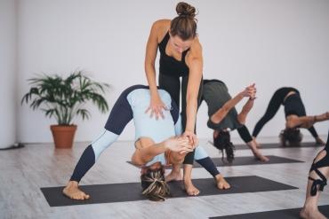 Hoe kies je de juiste yoga docentenopleiding?